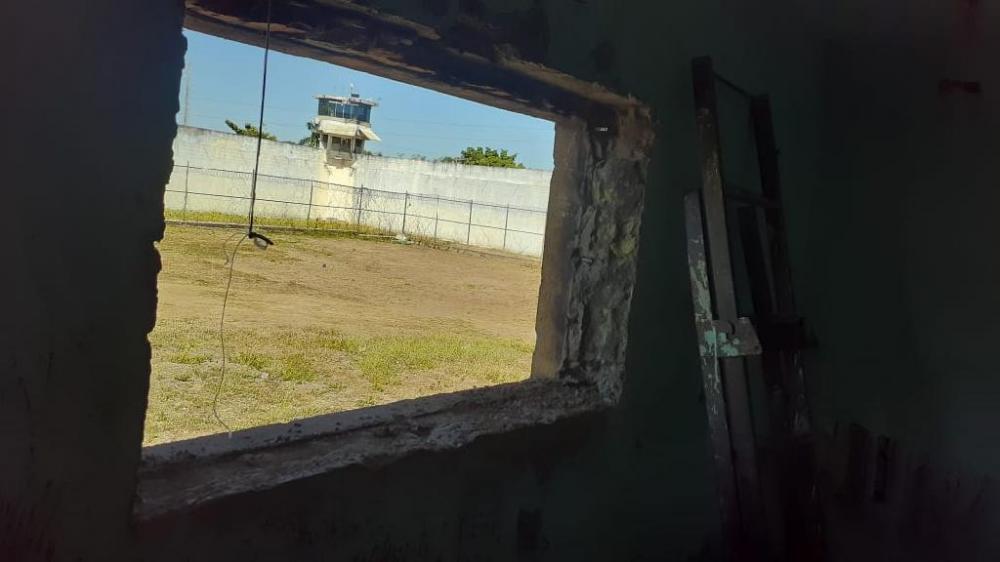 Grades serradas em cela na PCE - Foto por: Policia Penal da PCE