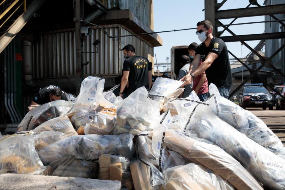 Incineração de drogas apreendida, pela Delegacia Especializada de Entorpecentes Créditos: Marcos Vergueiro/Secom-MT