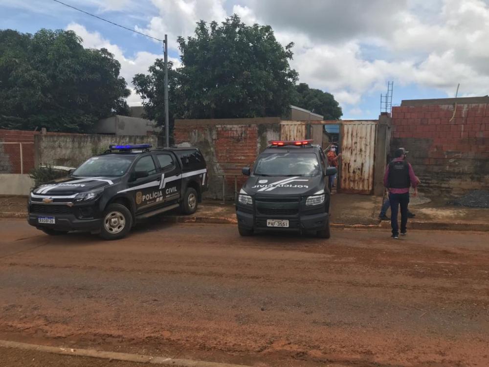 Foto: Polícia Civil - Busca domiciliar na casa do suspeito